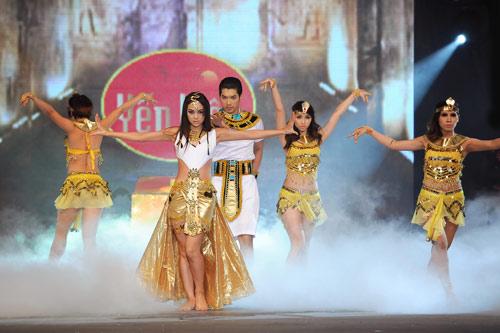 Minh Hằng nhảy sexy bên Trương Nam Thành - 9