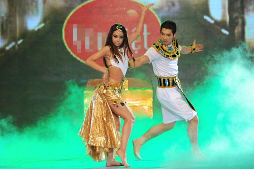 Minh Hằng nhảy sexy bên Trương Nam Thành - 4