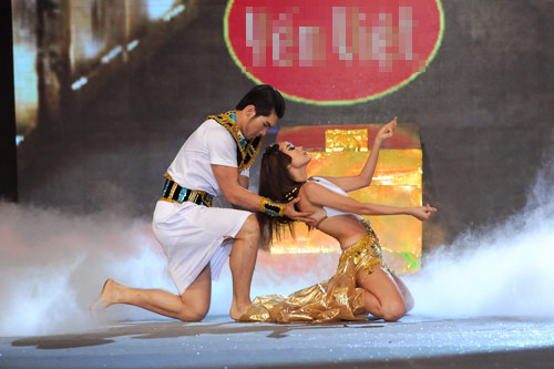 Minh Hằng nhảy sexy bên Trương Nam Thành - 6