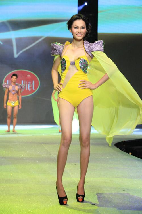 Nhìn lại bikini của Siêu mẫu 2012 - 27