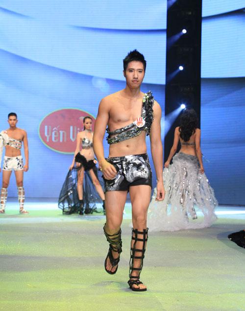 Nhìn lại bikini của Siêu mẫu 2012 - 11