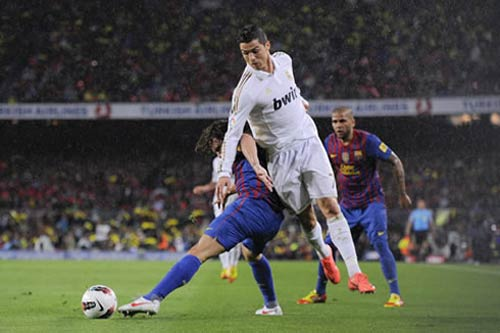 Ronaldo vs TBN: Bn p ln nh s 1, Euro 2012, ronaldo, cristiano ronaldo, cr7, ronaldo vs tay ban nha, bo dao nha vs tay ban nha, euro 2012, lich thi dau euro, lich euro 2012, lich dau euro, lich dau euro 2012, ket qua euro 2012, bang xep hang euro 2012, video euro 2012, bong da, bong da 24h, bao bong da, ket qua bong da, lich thi dau bong da