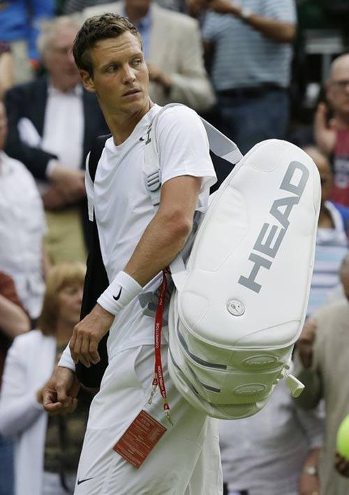 Cú sốc đầu tiên tại Wimbledon - 1