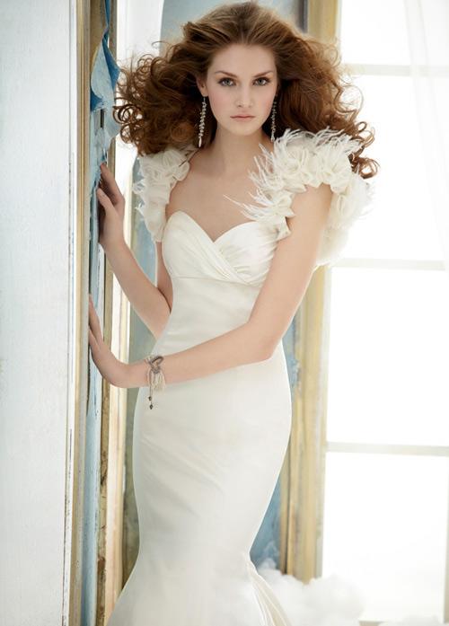 Váy cưới tôn đường cong cho nàng dâu - 6