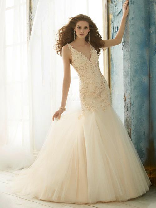 Váy cưới tôn đường cong cho nàng dâu - 10