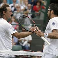 Video: Pha đôi công hay nhất Wimbledon ngày 1