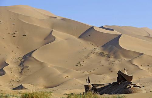 Vẻ đẹp bí ẩn của sa mạc Ba Đan Cát Lâm - 2