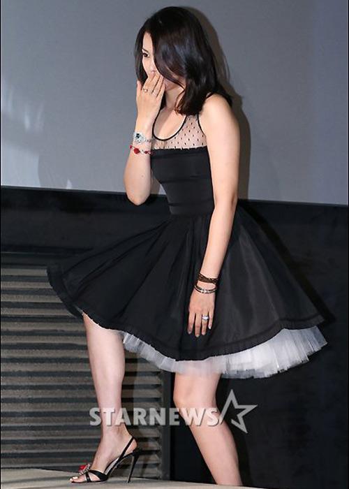 """Hoa hậu đẹp nhất xứ Hàn bị """"biến dạng"""" - 3"""