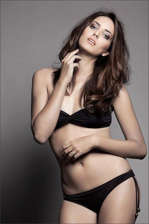 Miss World lộ diện nhan sắc ấn tượng! - 9