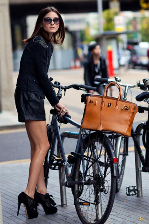 Khi chân dài yêu xe đạp hơn xế hộp! - 1