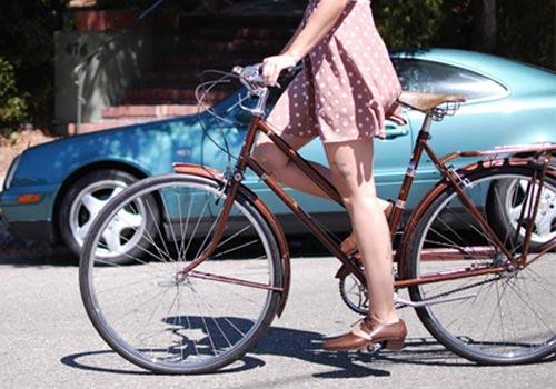 Khi chân dài yêu xe đạp hơn xế hộp! - 11
