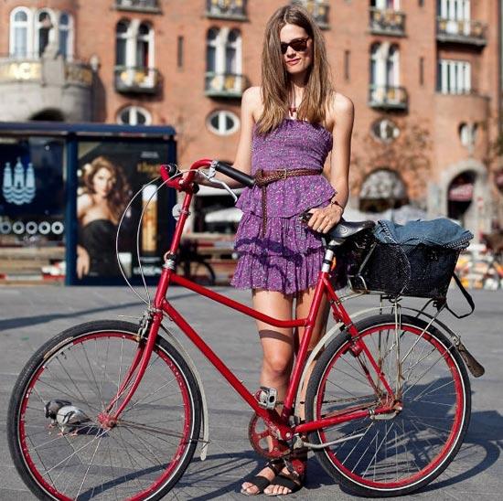 Khi chân dài yêu xe đạp hơn xế hộp! - 2
