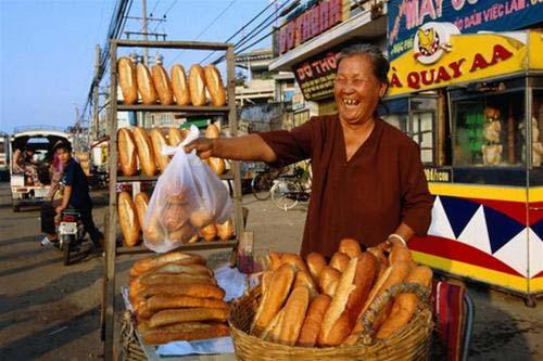 Bánh mì Sài Gòn: top 9 món đường phố hấp dẫn - 3