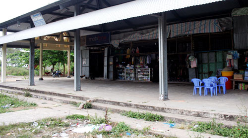 Nhiều chợ bỏ hoang - 2