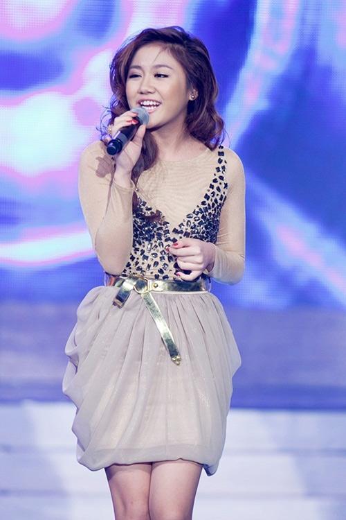 Văn Mai Hương xông đất Bài hát việt 2012 - 1