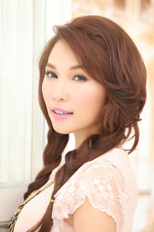 """Jennifer Phạm """"sến lạ"""" khi tết tóc - 15"""