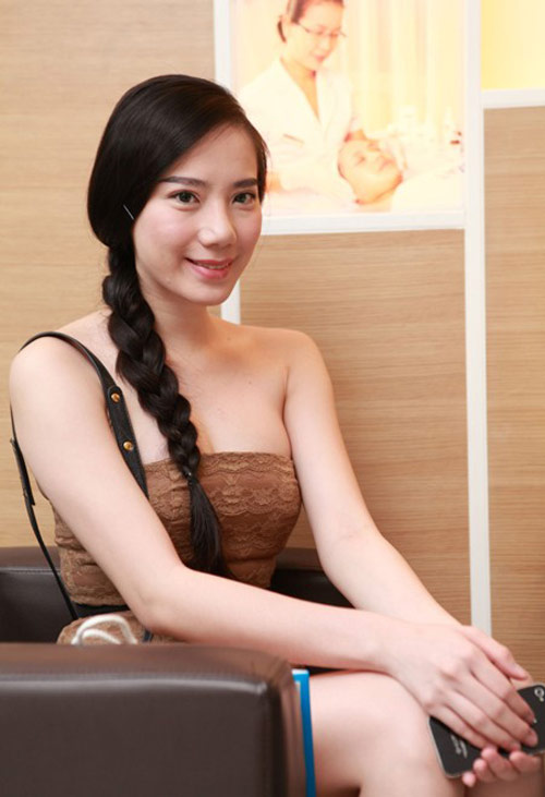 """Jennifer Phạm """"sến lạ"""" khi tết tóc - 16"""