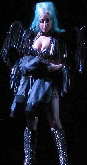 Lady Gaga gợi lại váy thịt bò sống - 13