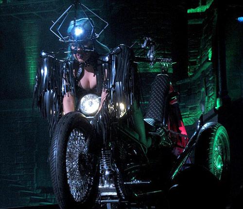 Lady Gaga gợi lại váy thịt bò sống - 15