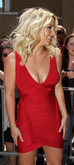 Britney Spears gợi cảm làm giám khảo - 3