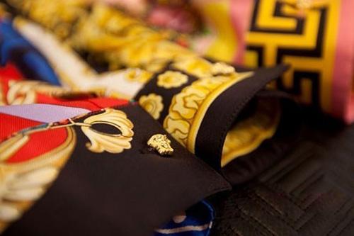 Tôn vẻ sang trọng với họa tiết khăn lụa - 10