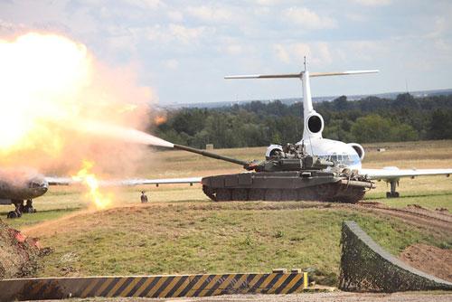 """Vũ khí """"khủng"""" tại Diễn đàn công nghệ quân sự - 3"""