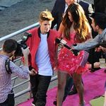 Phim - Justin Bieber ga lăng với bạn gái