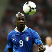 "Video: Show diễn của ""Super"" Balotelli"