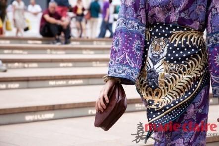 Tôn vẻ sang trọng với họa tiết khăn lụa - 19