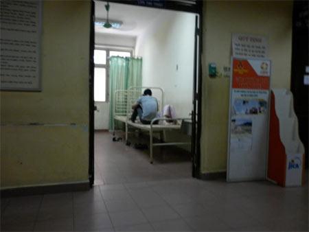 Nghẹn lòng nữ sinh đi nạo phá thai - 2