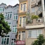 """Tài chính - Bất động sản - Những ngôi nhà """"kỳ dị"""" giữa Thủ đô"""