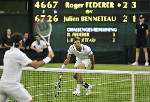 Federer - Benneteau: Siêu kịch tính (vòng 3 Wimbledon), Thể thao, federer - benneteau, video federer - benneteau, federer vat va, federer gap kho khan, Wimbledon, tennis, video tennis, the thao, quan vot, tay vot, san co, Nole, the thao, bao the thao, tin the thao