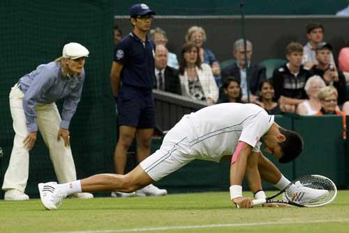 Suýt có thêm địa chấn ở Wimbledon - 1