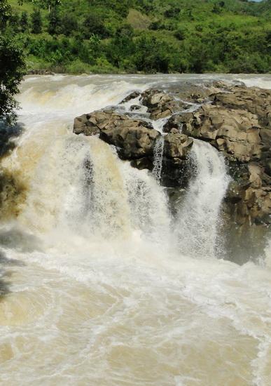 Những ngọn thác hùng vĩ ở Đắk Nông - 4
