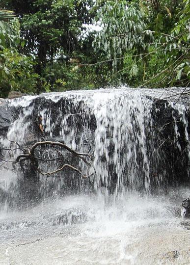 Những ngọn thác hùng vĩ ở Đắk Nông - 3