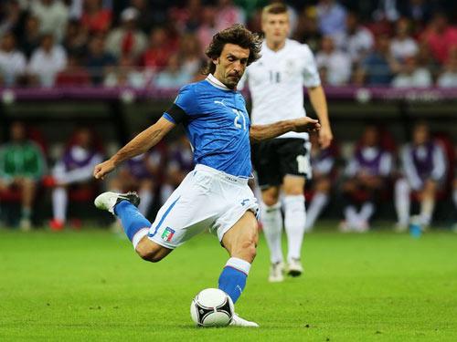 Pirlo: Sẵn sàng đua với Messi và CR7 - 1