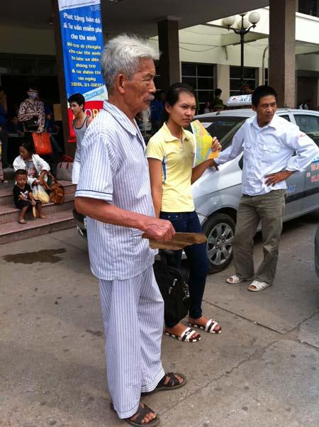 Sĩ tử ùn ùn lên Hà Nội dự thi đại học - 17