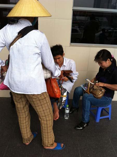 Sĩ tử ùn ùn lên Hà Nội dự thi đại học - 15