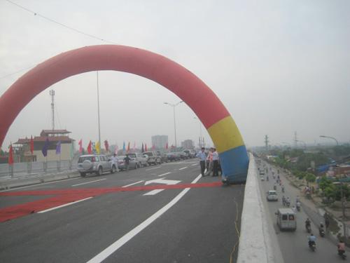 Cảnh thông xe đường cao tốc trên không - 3