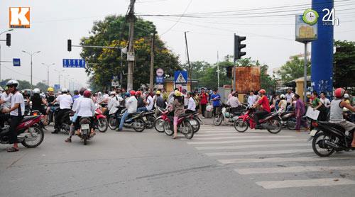 Sĩ tử ùn ùn lên Hà Nội dự thi đại học - 1