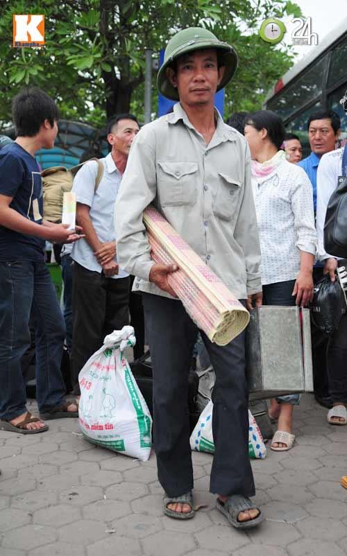 Sĩ tử ùn ùn lên Hà Nội dự thi đại học - 7