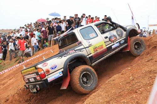 Giải đua xe ô tô địa hình Việt Nam: Kịch tính - 5