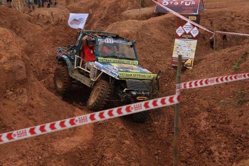 Giải đua xe ô tô địa hình Việt Nam: Kịch tính - 6