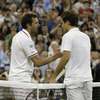 Video: Benneteau khiến Federer chào thua