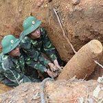 Tin tức trong ngày - Việt Nam mất 300 năm để rà phá bom mìn
