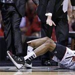 Thể thao - Chấn thương kinh hoàng trong bóng rổ Mỹ