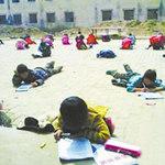 Tin tức trong ngày - TQ: Bắt học sinh làm bài thi dưới trời nắng