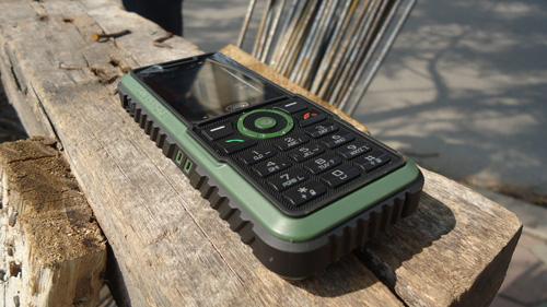 Cơn sốt điện thoại Pin dùng 25 ngày - 1