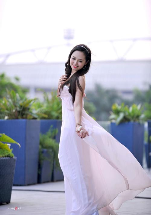 MC Ngọc Trang quyến rũ với váy maxi - 12