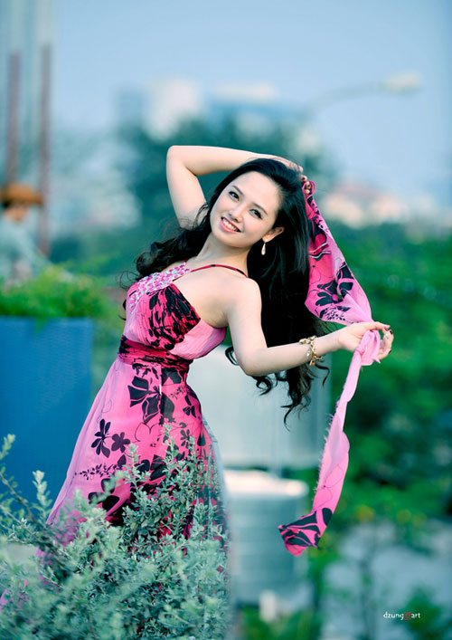 MC Ngọc Trang quyến rũ với váy maxi - 5